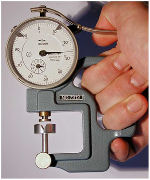 The modified Mitutoyo 7312 thickness gage